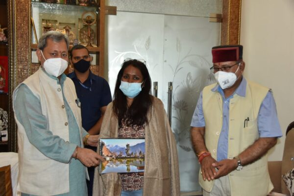 पर्वतारोही सविता कंसवाल की उपलब्धि राज्य के लिए गौरव की बात: मुख्यमंत्री