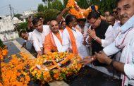 मुख्यमंत्री धामी ने रामपुर तिराहा स्थित उत्तराखंड शहीद स्मारक पहुंचकर दी, राज्य के आंदोलनकारी शहीदों श्रद्धांजली