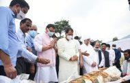 मुख्यमंत्री पुष्कर सिंह धामी हुए सूरज कुंवर शाह के अंतिम संस्कार में सम्मिलित, परिजनों से भेंट कर की शोक संवेदनाएं