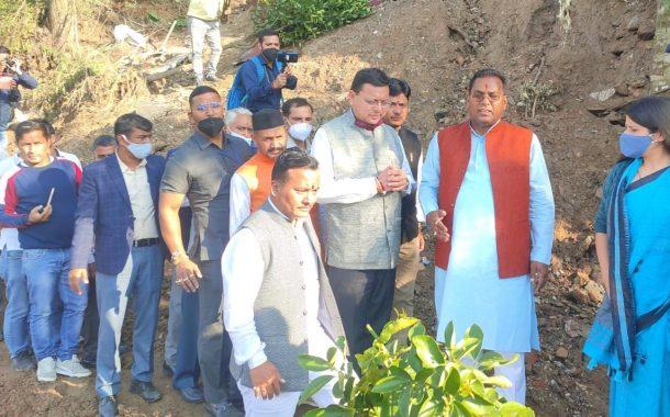 लगातार पांचवें दिन आपदा पीड़ितों के साथ मौजूद रहे मुख्यमंत्री